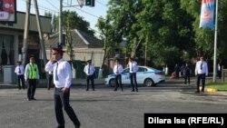 Полицейские на улице города Шымкент, 9 мая 2019 года