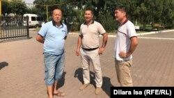 Некоторые из участников акции в поддержку политических заключенных. Шымкент, 29 июля 2019 года.