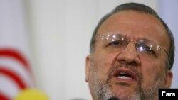 آقای متکی اعلام کرد که تهران، در روند برنامه هسته ای خود تجدید نظر نخواهد کرد. (عکس: فارس)