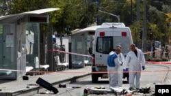 На месте недавнего теракта в Иерусалиме.