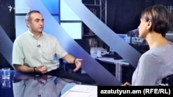 Теван Погосян в студии «Азатутюн ТВ» (архив)
