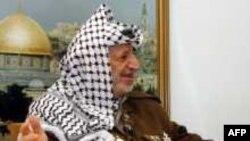 یاسر عرفات رییس پیشین تشکیلات خودگردان فلسطینی، یکی از شرکت کنندگان در کنفرانس ۱۵ سال پیش مادرید بود