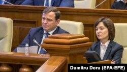 Maia Sandu și Andrei Nastase în Parlament, după demiterea guvernului pro-occidental al Blocului ACUM, 12 noiembrie 2019