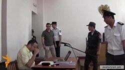 Այսօր վկայություն տվող ևս երկու ոստիկան պնդեցին՝ Գևորգ Սաֆարյանը բռունցքի շեշտակի հարված է հասցրել Գեղամ Խաչատրյանին