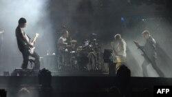 Nga koncerti i U2, foto nga arkivi.