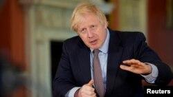 Միացյալ Թագավորություն - Վարչապետ Բորիս Ջոնսոնը ուղերձով է հանդես գալիս, Լոնդոն, 10-ը մայիսի, 2020թ.