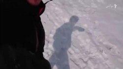 اسنوبورد در تپههای برفی کابل