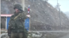 Российский военнослужащий в Сюникской области Армении на границе с Азербайджаном (архив)