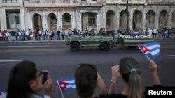 Військовий автомобіль з останками Фіделя Кастро, Гавана, 30 листопада 2016 року
