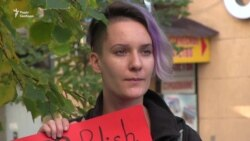 У Харкові молодь підтримала право польських жінок на аборт (відео)