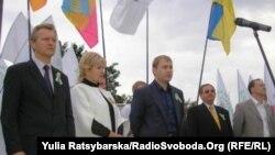 Галина Булавка з однопартійцями з «Батьківщини», 2010 рік