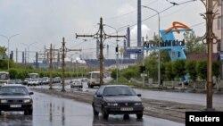 Одна из центральных улиц Темиртау. 13 июня 2012 года.