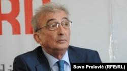 Vučić želi kontrolu i nad pozicijom predsednika i nad Vladom: Čedomir Čupić