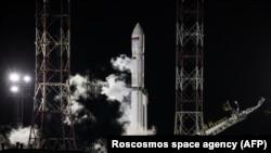 Запуск ракеты-носителя с первым ангольским спутником связи