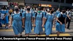 Hong Kong - eleve, după ce au participat la unul din protestele pro-democrație din septembrie 2019 (WORLD PRESS PHOTO 2020)