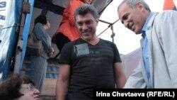 Boris Nemtsov və Garry Kasparov - 2012