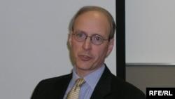 وین وایت، پژوهشگر در موسسه خاورميانه در واشينگتن