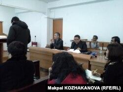 Пәкістан азаматы Сарфараз Хусаиннің сот процесі. Алматы, 23 қаңтар 2015 жыл.