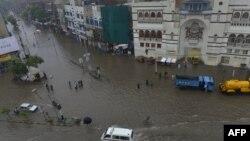 Пополави во Пакистан