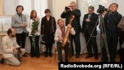 На виставці творів художника Івана Марчука, Вільнюс, 21 жовтня 2013 року