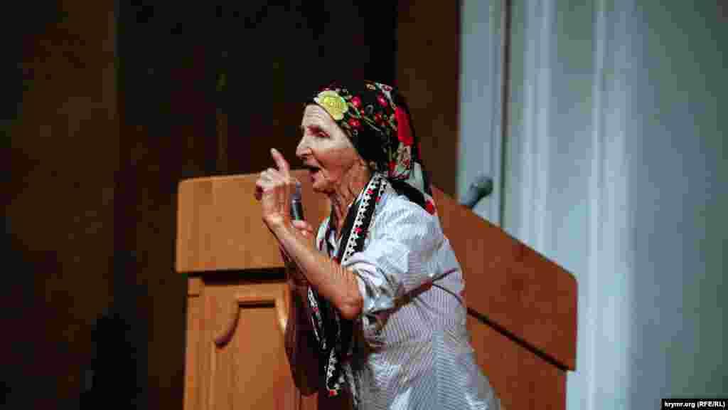 Жінка брала активну участь у різних публічних заходах, мітингах і конференціях, не раз приходила до будівлі судів у Сімферополі, щоб підтримати політв'язнів кримських татар. У січні 2017 року в будинку Веджіє Кашка в Білогірському районі пройшов поминальний молебень на знак пам'яті про Андрія Сахарова