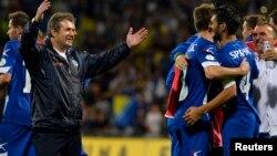 در خط دفاع امیر اسپاهیچ (شماره ۴) بازوبند کاپیتانی را در اختیار دارد و عضو باشگاه بایر لورکوزن است با بیش از ۷۰ بازی ملی.