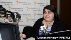 خديجه اسماعيلوا خبرنگار و مجری برنامه های راديو اروپای آزاد/ راديو آزادی