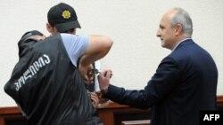 Экс-премьер Мерабишвили, который уже отбывает срок по другим делам, признан виновным сразу по двум статьям – злоупотребление служебным положением и служебная фальсификация