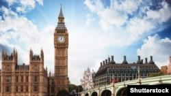 Здание британского парламента, часовая башня Вестминстерского дворца в Лондоне.