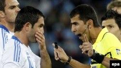 Ravshan Ermatov 2010 yilda Janubiy Afrikada o'tgan futbol bo'yicha Jahon Chempionatida ham katta mahorat ko'rsatgan edi.