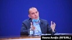 Српскиот министер за здравство, Златибор Лончар.