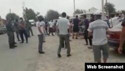 Скриншот видео, распространяемого в Сети как запись, сделанная в селе Шорнак Туркестанской области.