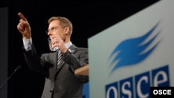 Finnish Foreign Minister Alexander Stubb speaks at an OSCE council in Helsinki.