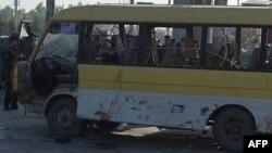 Кабулда жардырылган автобус.