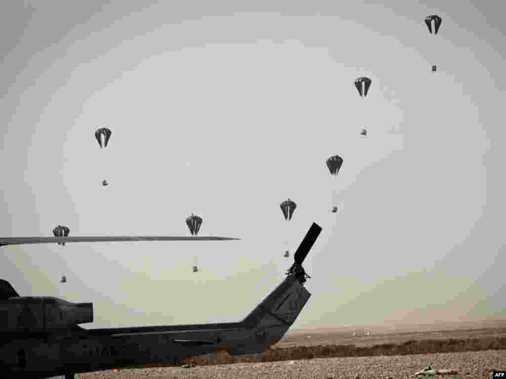 Furnizimi nga ajri i forcave amerikane në provincën afgane, Helmand.