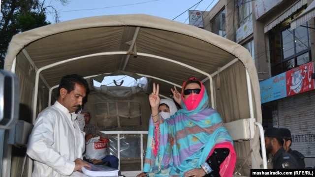 There are fears that Election Commission efforts to prevent candidates from providing transportation to their supporters to reach polling stations will deter many rural women from voting. (file photo)