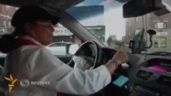 Ню Йоркда илк маротаба аëллар учун таксилар хизмат кўрсата бошлади