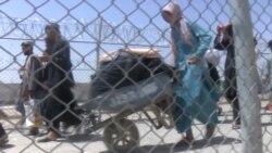 Afghans Flood Across Pakistan Border To Flee Taliban Rule