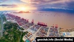 Порт в Шанхае