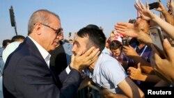 اردوغان در جمع هواداران و شرکتکنندگان در راهپیمایی «دمکراسی و شهدا»