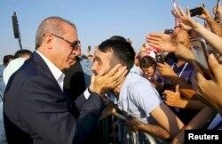 """Реджеп Эрдоган на митинге """"Демократии и Мучеников"""" в Стамбуле. 7 августа"""