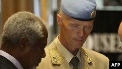 Після прибуття до Дамаска Кофі Аннан мав розмову з керівником місії спостерігачів Робертом Мудом