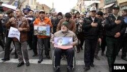 در تهران و شهرهایی مانند سمنان پس از نماز جمعه راهپیماییهایی در اعتراض به اعدام شیخ نمر برگزار شده است.