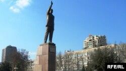 Heydər Əliyevin monumenti.Bakı