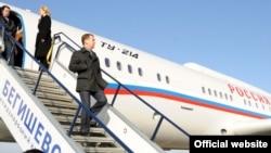 Русия президенты Медведев Чаллыга Казанда эшләнгән Ту-214 очкычы белән килгән иде