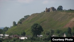 Алабугадагы Шайтан каласы. Аңа юл бик җайсыз.
