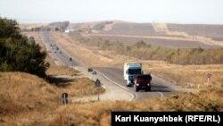 Дорога в Кордайском районе Жамбылской области. Иллюстративное фото.