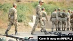 ԼՂ Պաշտպանության բանակի զորամասերից մեկում: