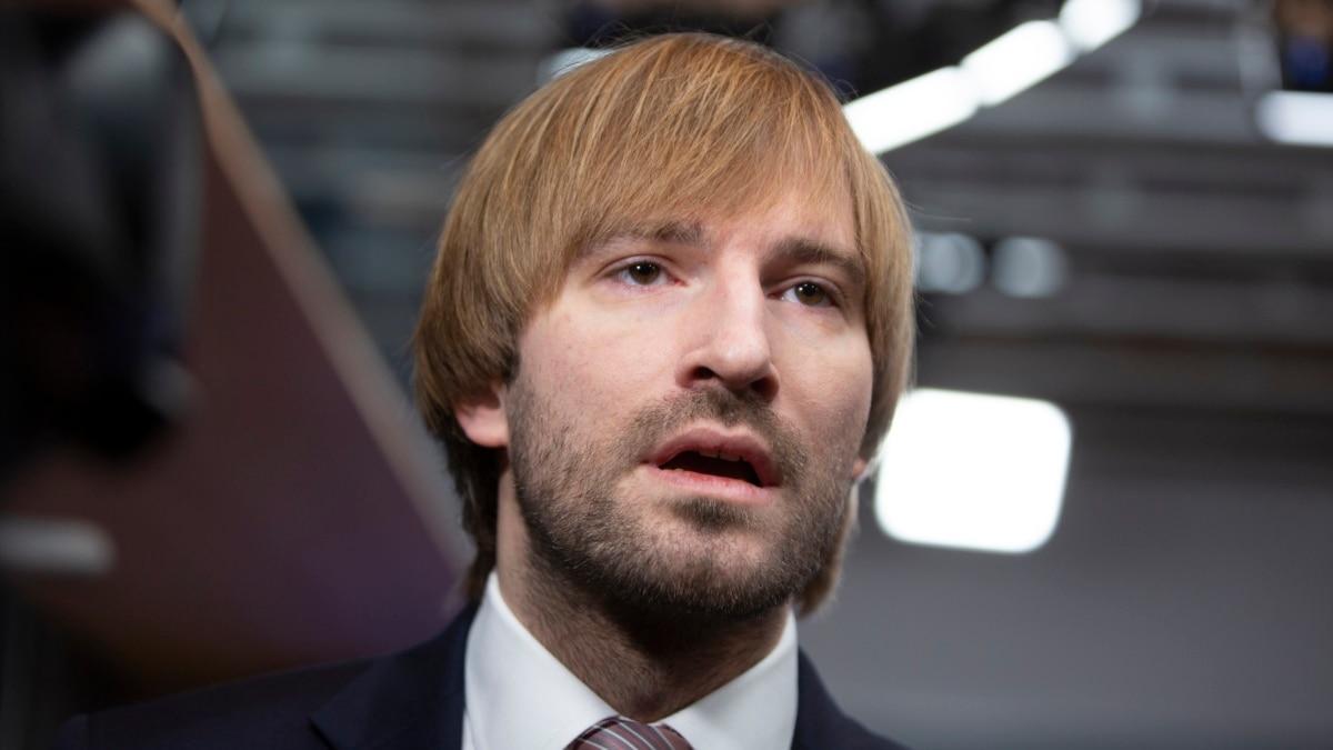 В Чехии министр здравоохранения ушел в отставку на фоне роста случаев COVID-19