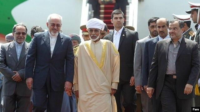 سلطان قابوس در سفر به تهران